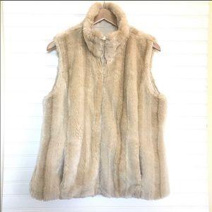 NWOT Kristen Blake blonde faux fur mink vest